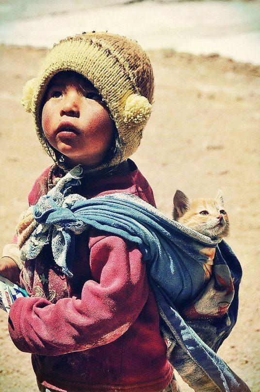 Bolivia - otrok in muca